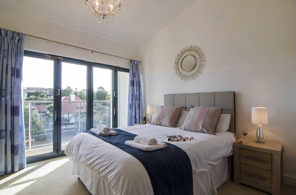 beaches torquay bedroom