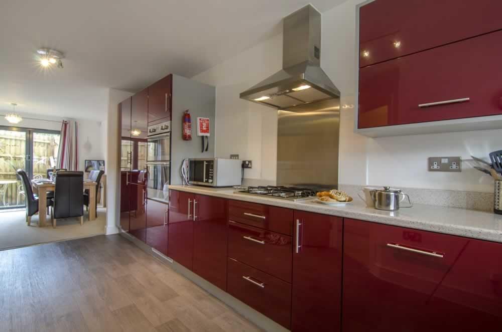 beaches torquay- kitchen